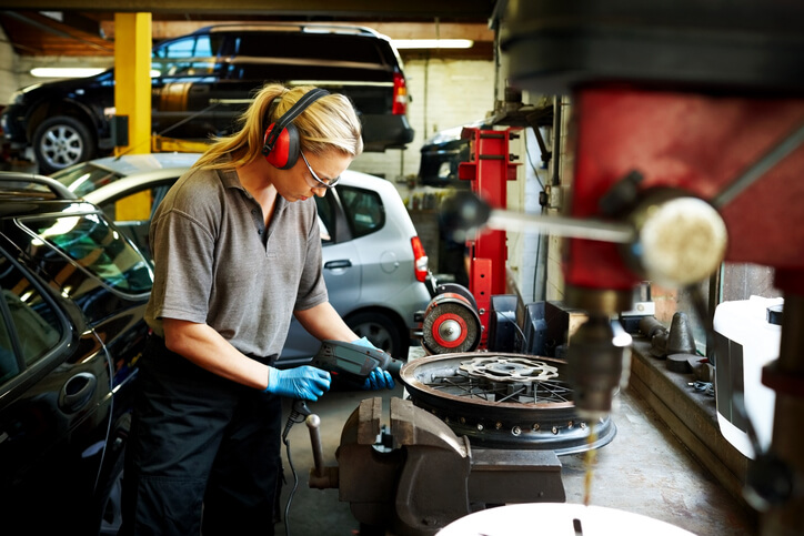 Car Repairs: Is Fixing My Car Worthwhile, Or Is It Time For a Replacement? article header