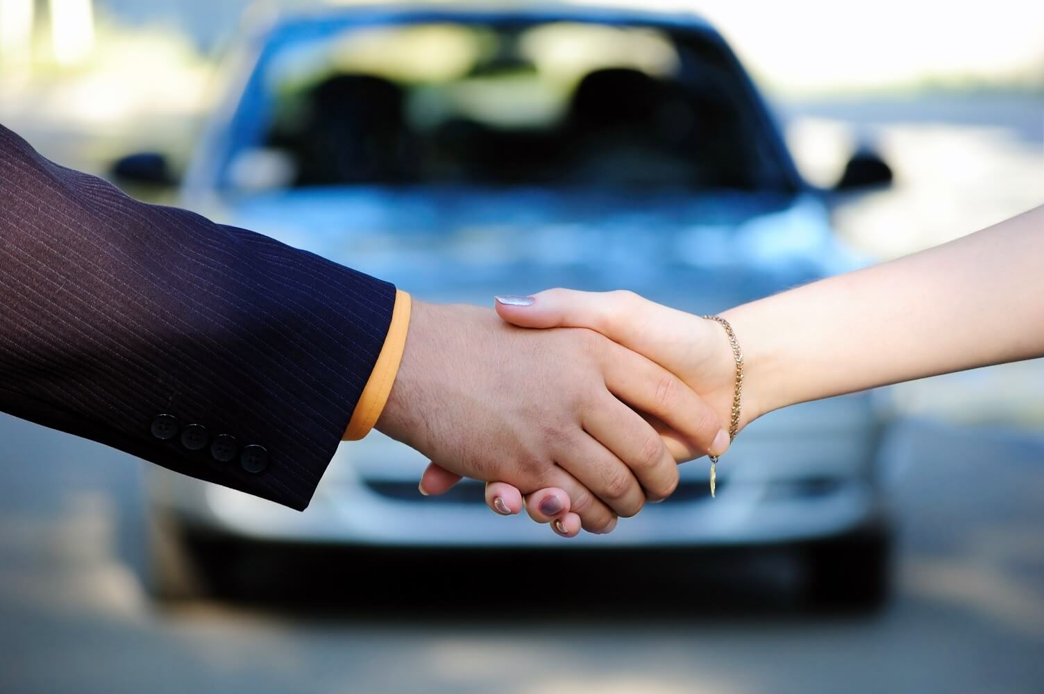 How to Complete a Used Car Sale by Owner in Canada article header