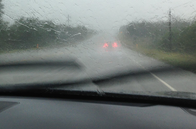 How to Drive Safely in Heavy Rain article header