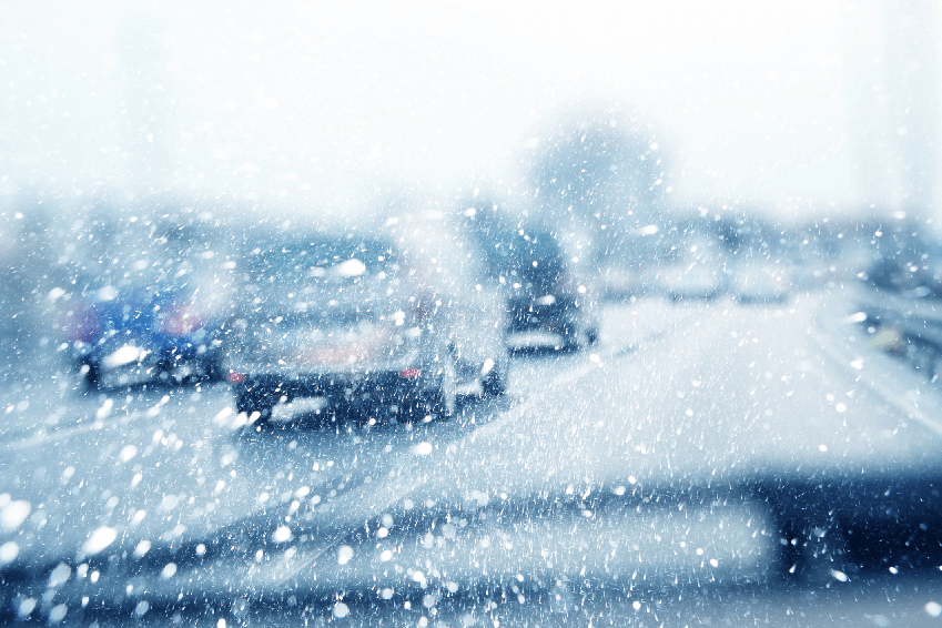 Tips For Avoiding Accidents in Winter Road Conditions article header